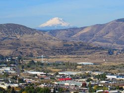 The-Dalles-with-Mt-Adams